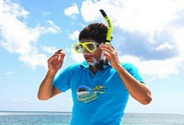Snorkeling instruction on our 2 Island Tour