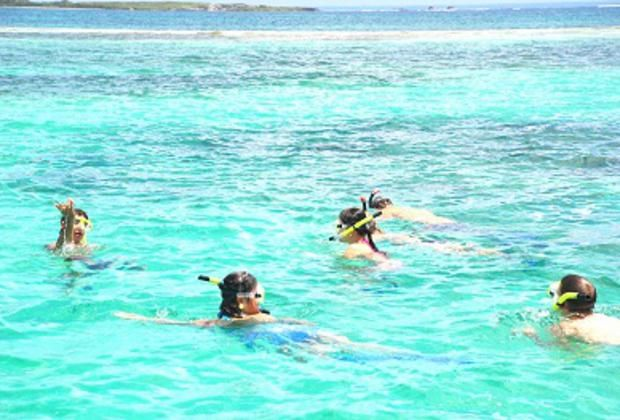 Snorkeling at Catuano Beach large